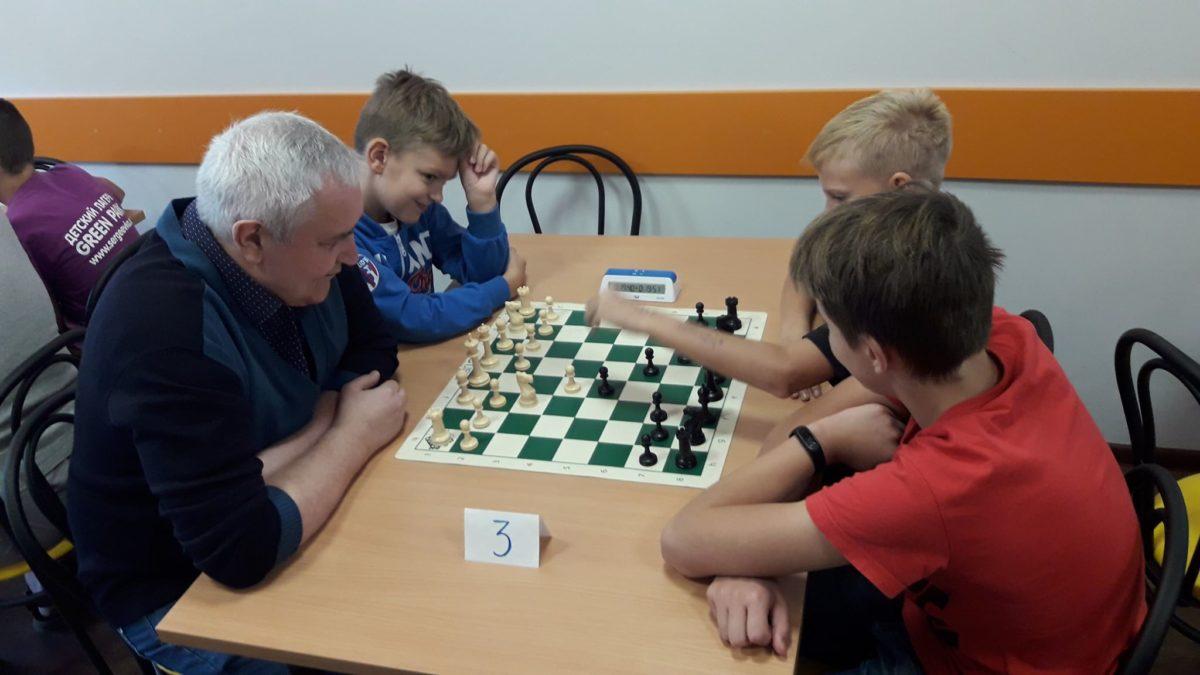 Шах й мат: у школі Ранок пройшов турнір з шахів