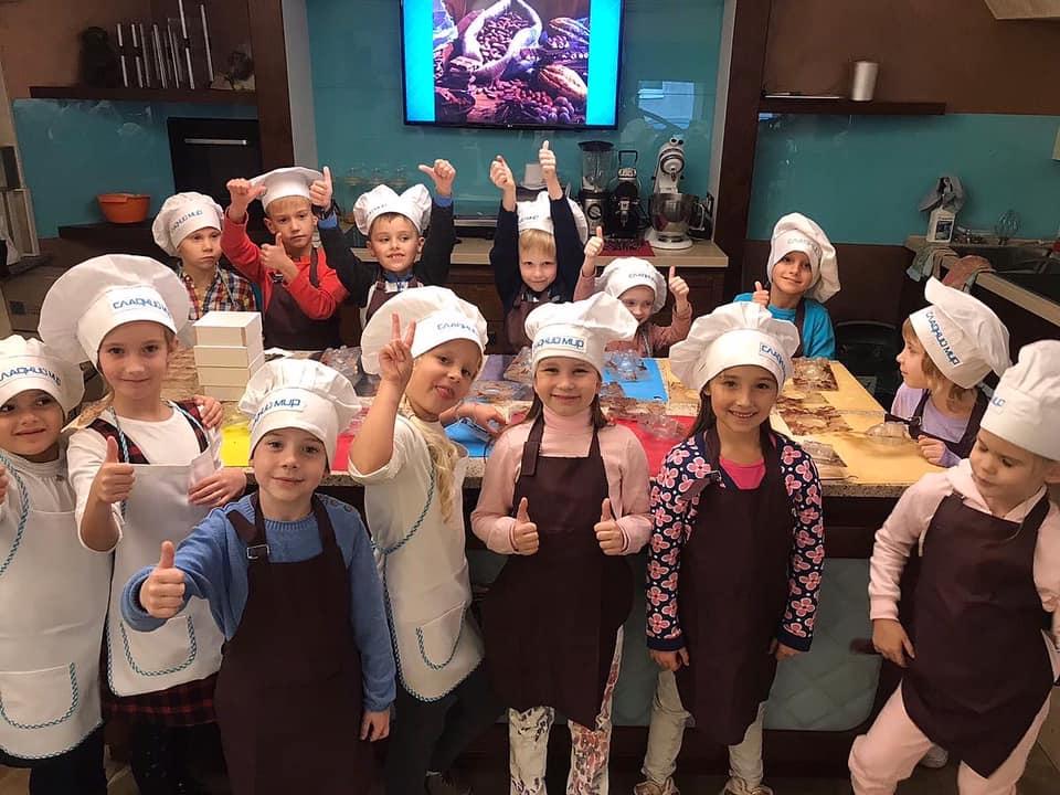 Наші діти — профі з виготовлення солодощів