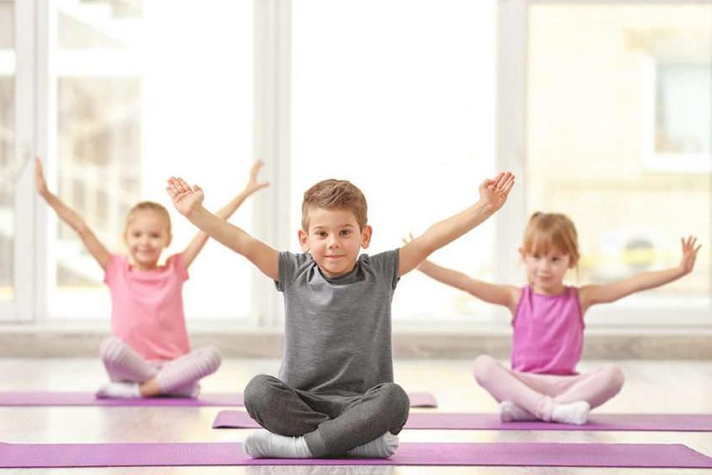 Йога для дітей: чи потрібно малюкам виконувати асани?