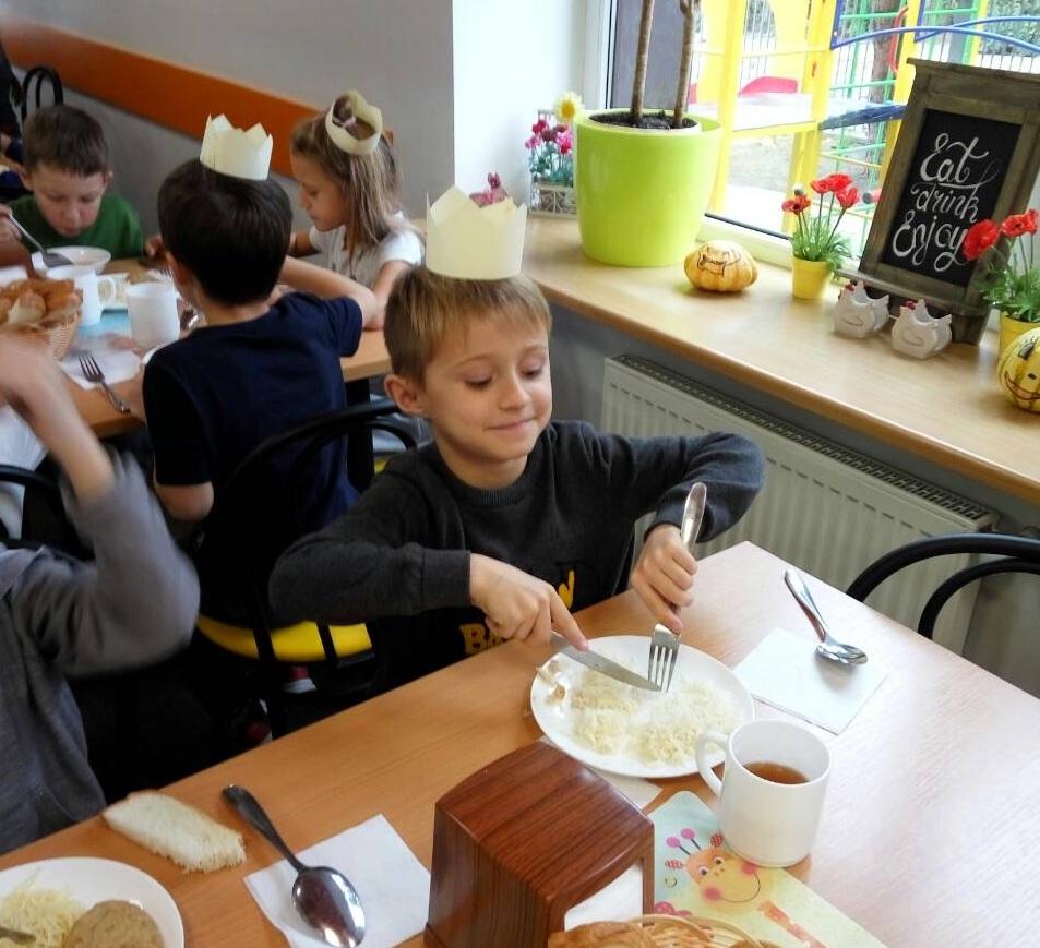У школі Ранок відбувся королівський обід